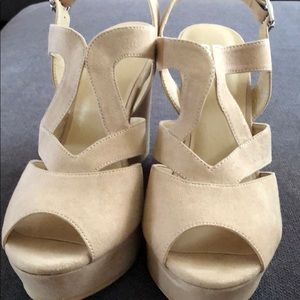 BP sunny-fab nude faux suede 7 1/2 M wedges